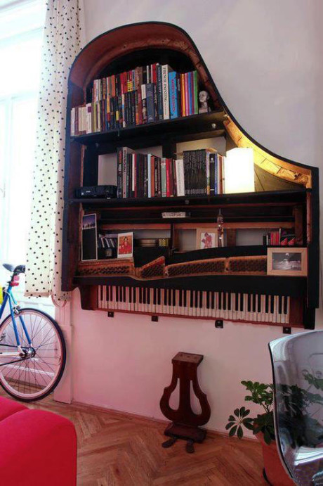 bookshelf-from-piano.jpg